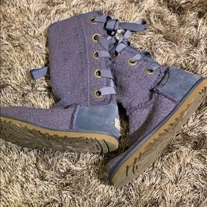 WORN ONCE UGG LACE UP BOOTS